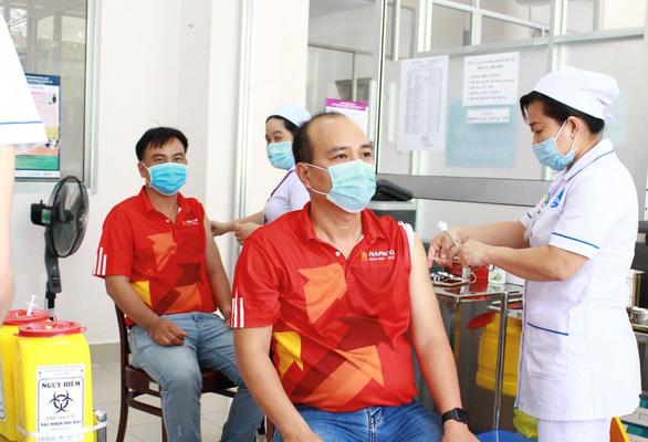 Chuẩn bị gì trước và sau khi tiêm vắc xin ngừa COVID-19
